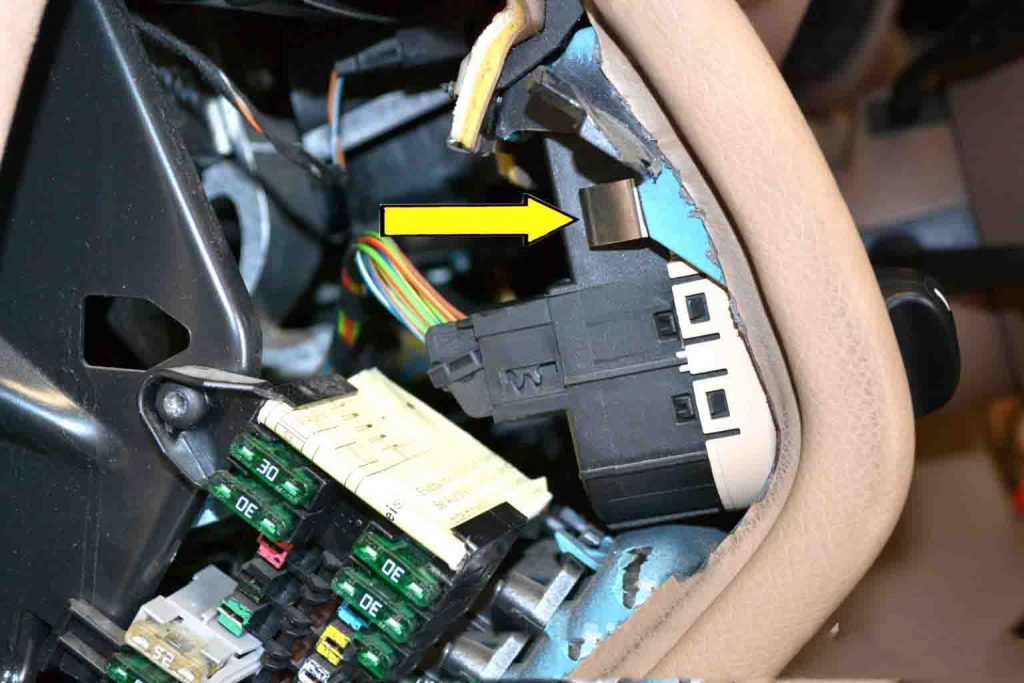 How to replace Benz W203 Light Control Switchn Module-04
