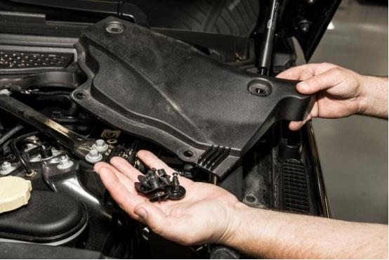 How to Remove ECU for Range Rover Sport-2