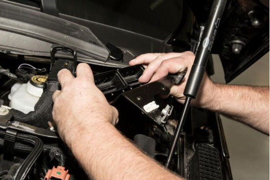 How to Remove ECU for Range Rover Sport-6