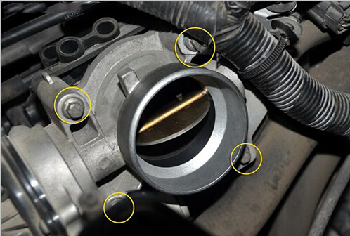 How To Remove & Install Auto Throttle Body (10)