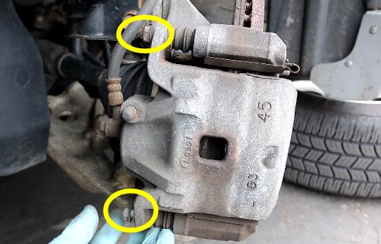 How to Change the Brake Pads And Rotors (1)