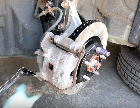 How to Change the Brake Pads And Rotors (15)