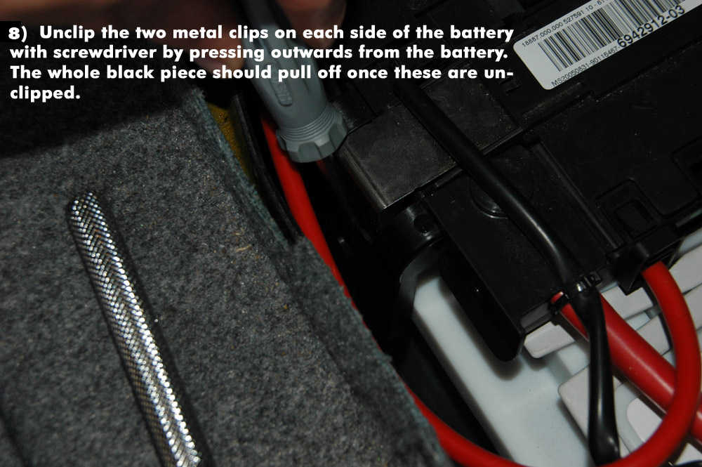 How to Replace New Battery for BMW E90 (8)