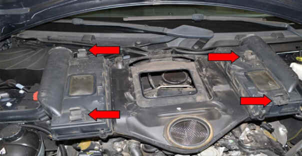 Replace Engine Air Filter for Benz W204 (1)