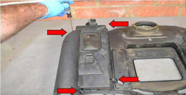 Replace Engine Air Filter for Benz W204 (3)
