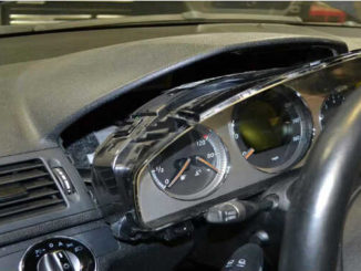 How to Remove Instrument Cluster for Mercedes Benz W204 (7)