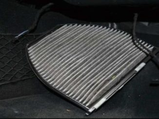 How to Replace Cabin Air Filter for Benz W204 (7)
