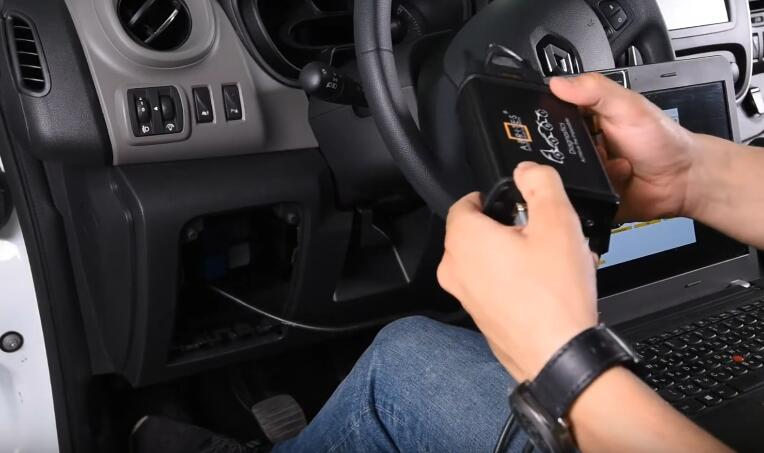 Renault-Trafic-III-All-Key-Lost-Programming-by-AVDI-2