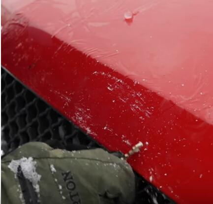 How-Not-to-Clear-Snow-Off-Your-Vehicle-4