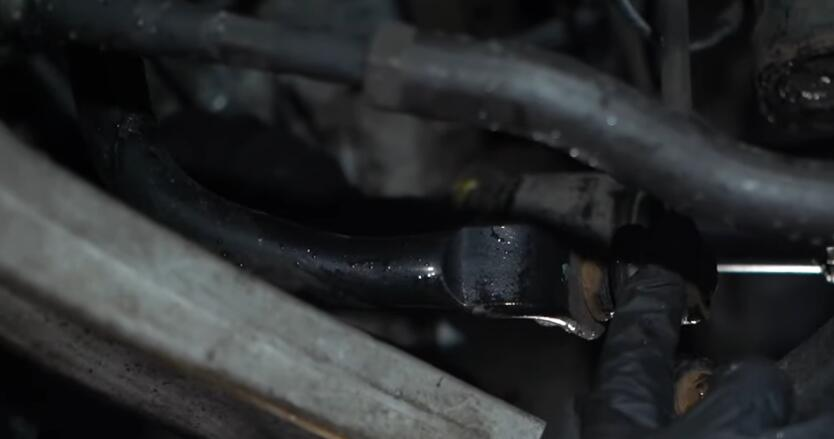How-to-Diagnose-Front-and-Ball-Joints-When-Hear-Wheel-Clunking-Noise-5