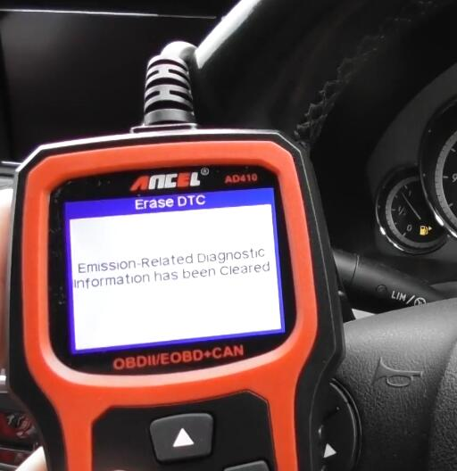 How-to-Diagnostic-Check-Engine-Light-by-Ancel-AD410-for-Benz-11