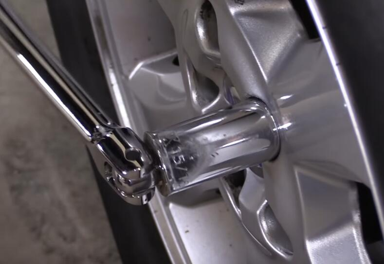 How-to-Remove-the-Locking-Lug-Nuts-without-Key-for-2008-Volvo-XC70-6