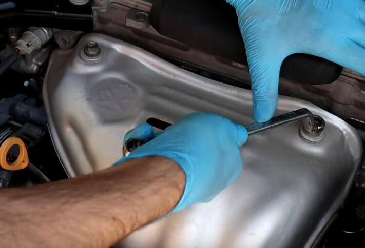How-to-Clean-Oxygen-Sensor-without-removing-It-for-Toyota-Camry-2017-2