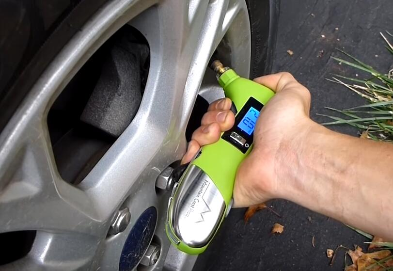 How-to-Reset-Low-Tire-Pressure-Light-on-Ford-Fiesta-5