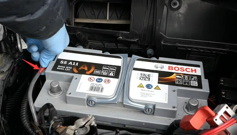 How-to-RemoveInstall-Battery-for-Mercedes-Benz-6