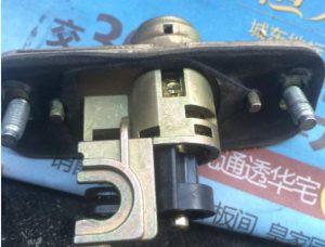 lock took apart-05