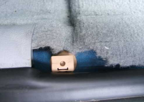 How to Remove BMW FRM Footwell Module-4