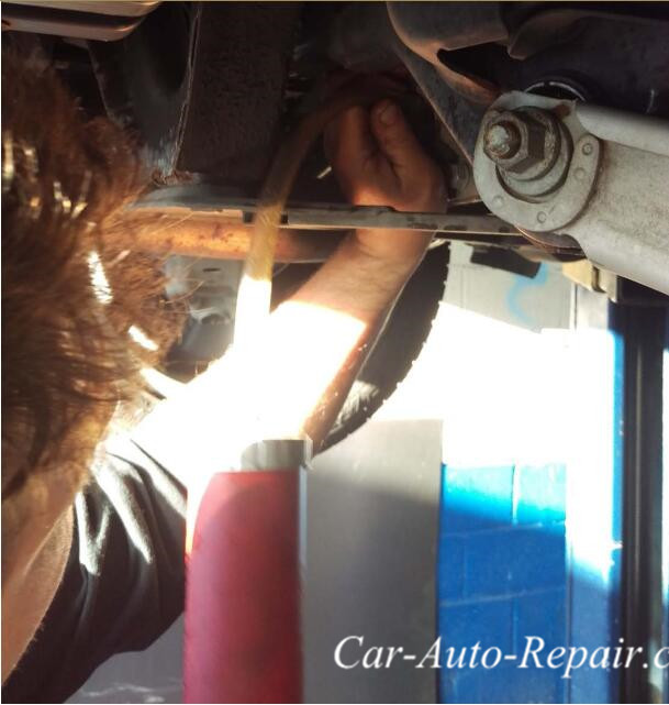 BMW X1 Diffs And Transfer Case Fluid Oil Change (16)