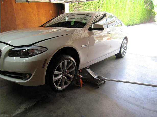 BMW 5 Series F10 Oil Change Guide (5)