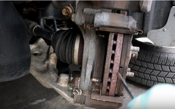How to Change the Brake Pads And Rotors (5)