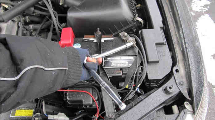 Hacking Immobilizer System When Keys Lost or Swapped ECU (6)
