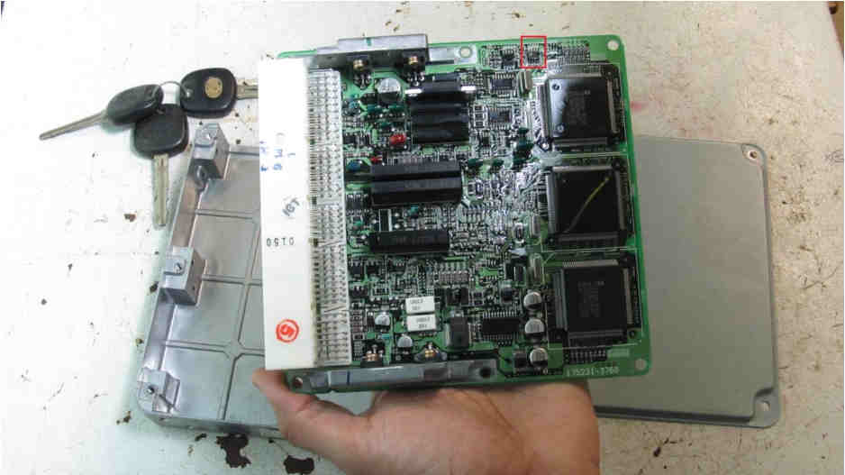 Hacking Immobilizer System When Keys Lost or Swapped ECU (9)