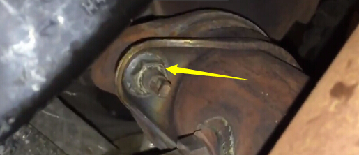 How to Remove Ford F150 Exhaust Y-pipe (8)