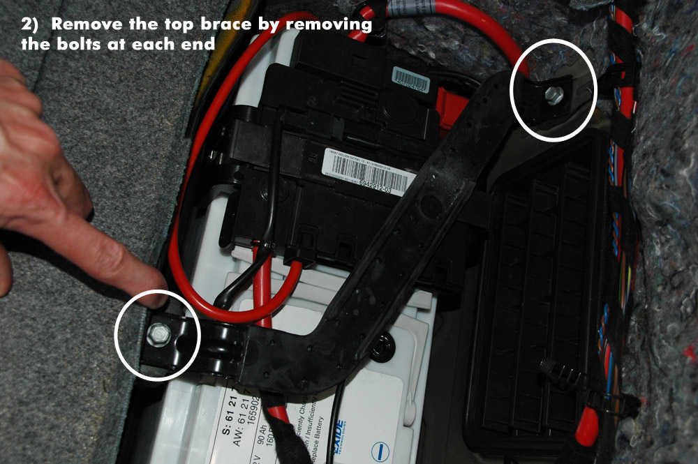 How to Replace New Battery for BMW E90 (2)