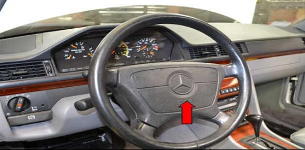 Benz W204 Steering Angle Sensor Removal (2)