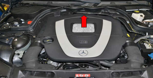 Replace MAF Sensor for Mercedes Benz W204 (1)