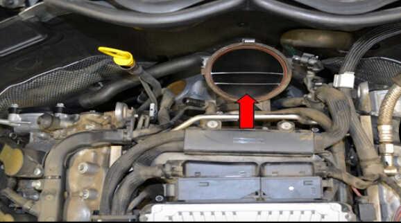 Replace MAF Sensor for Mercedes Benz W204 (10)