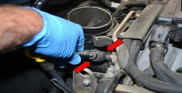 Replace MAF Sensor for Mercedes Benz W204 (4)