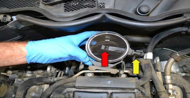 Replace MAF Sensor for Mercedes Benz W204 (7)