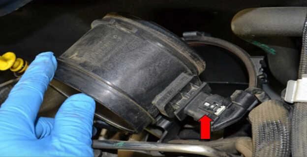 Replace MAF Sensor for Mercedes Benz W204 (8)