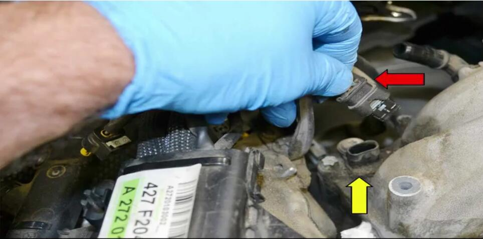 How to Remove Mercedes Benz Intake Manifold (21)