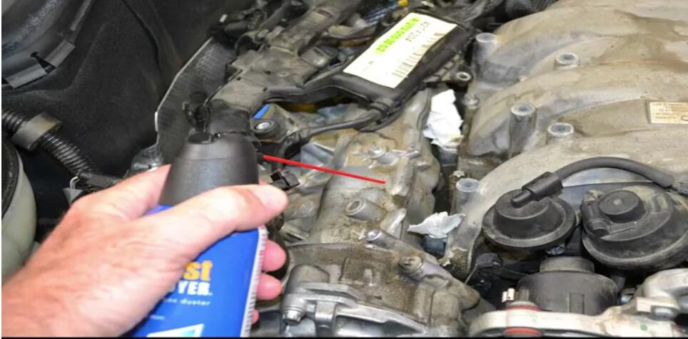 How to Remove Mercedes Benz Intake Manifold (24)