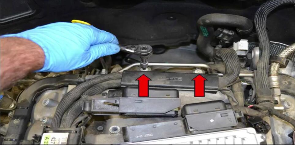 How to Remove Mercedes Benz Intake Manifold (8)