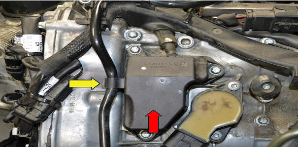 How to Replace Air Oil Separator for Mercedes Benz (2)