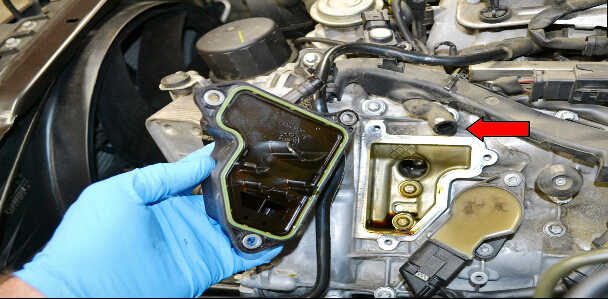 How to Replace Air Oil Separator for Mercedes Benz (4)