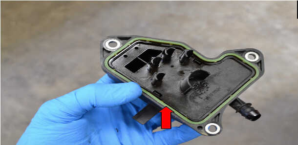 How to Replace Air Oil Separator for Mercedes Benz (6)