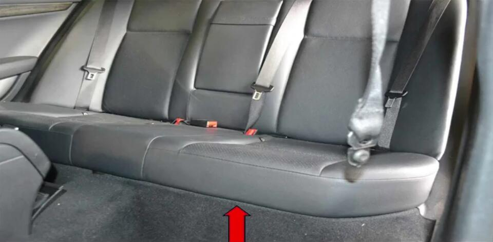 How to Replace Bench Seats for Benz W204 (7)