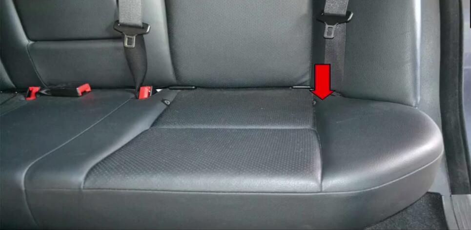 How to Replace Bench Seats for Benz W204 (9)