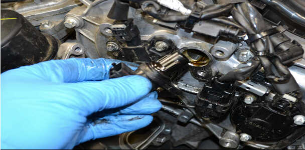 How to Replace Camshaft Position Sensor for Mercedes Benz (6)