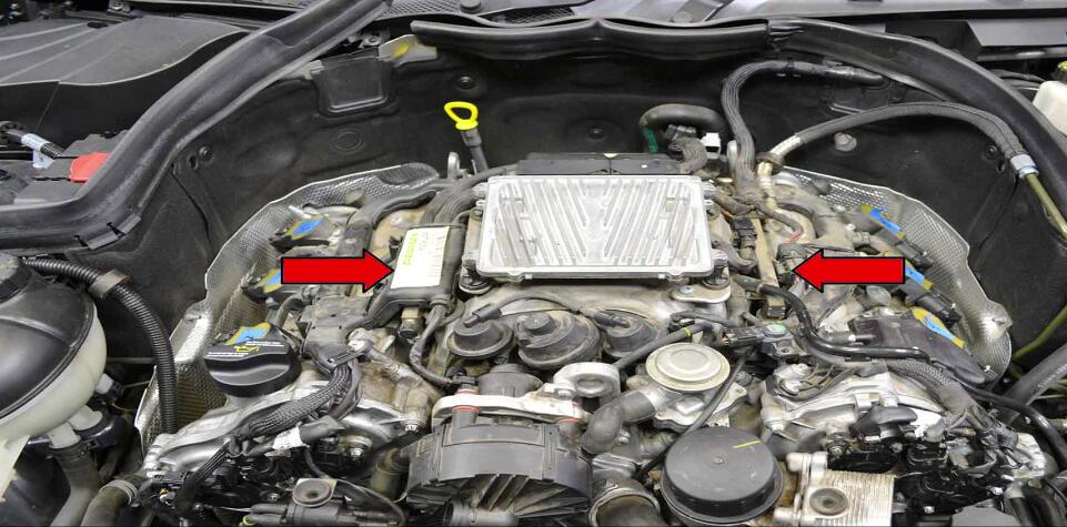 How to Replace Fuel Injector for Benz C350 (1)