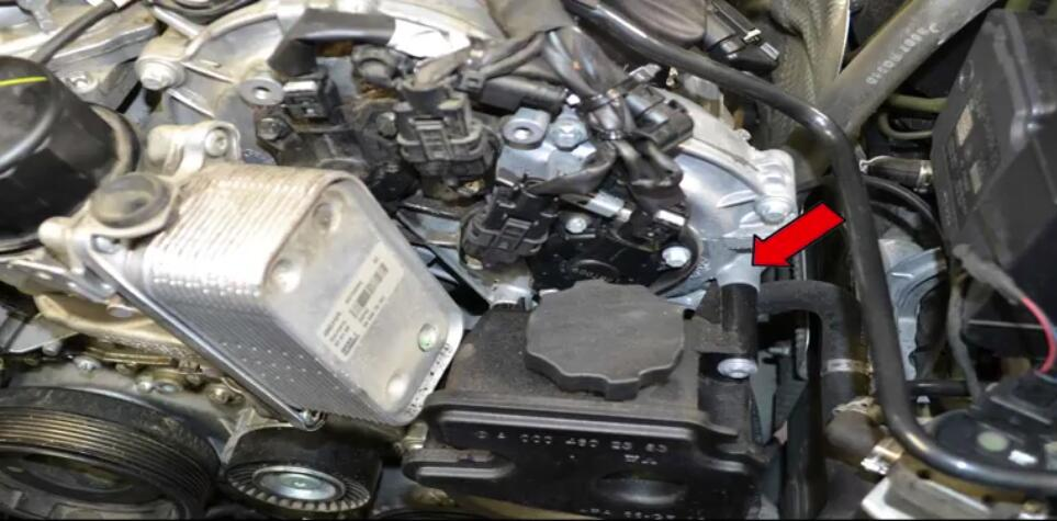 How to Replace Power Steering Pump for Benz W204 (5)