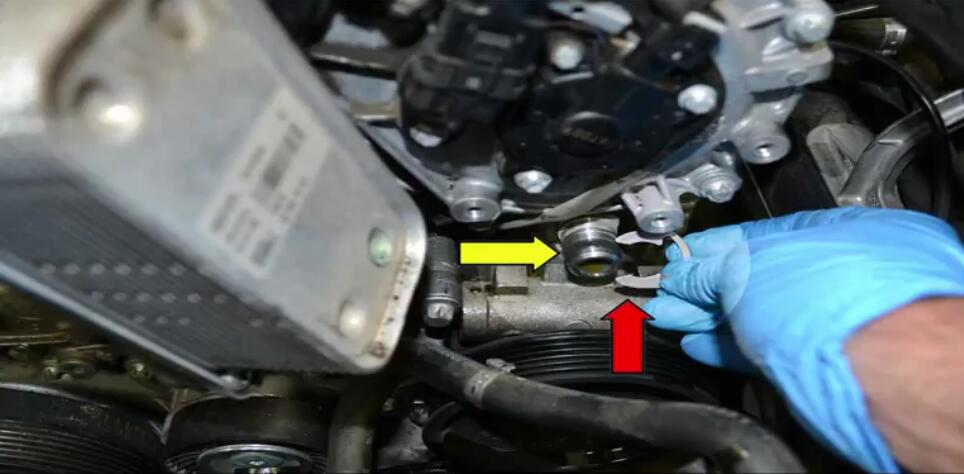 How to Replace Power Steering Pump for Benz W204 (6)
