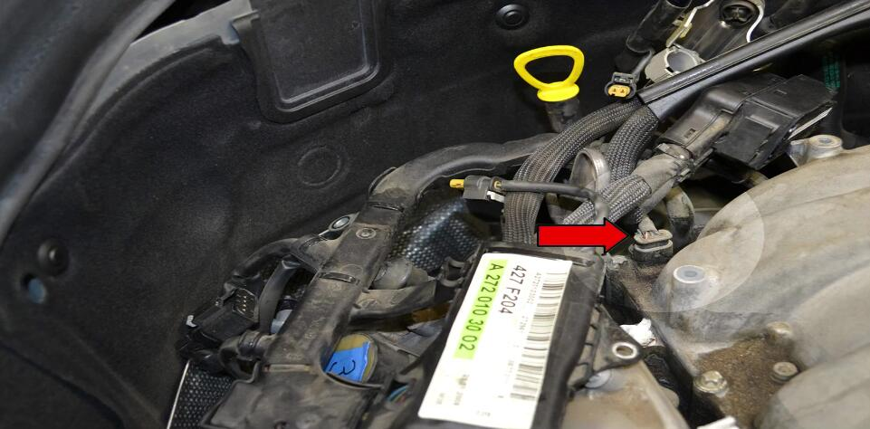 How to Replace Tumble Flap Position Sensor for Benz C350 (2)
