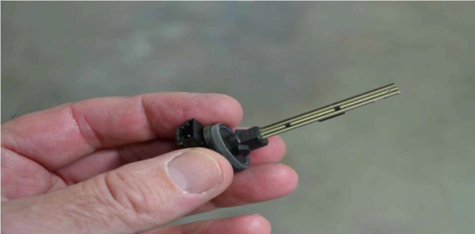Mercedes Benz W204 Fottwell Temperature Sensor Replacement (3)