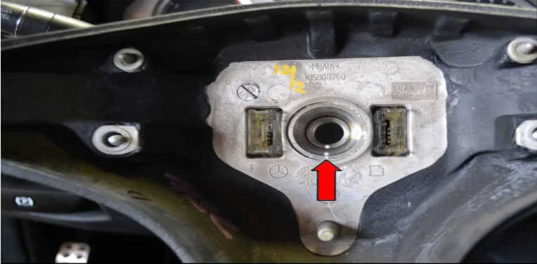 Mercedes Benz W204 Steering Wheel Airbag Removal Guide (9)