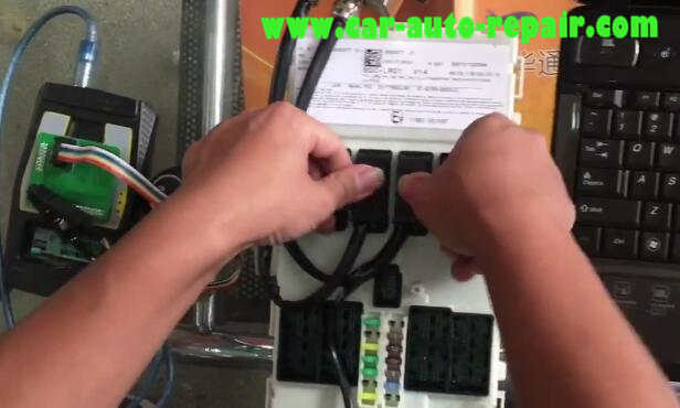 BMW BDC All Key Lost Programming by VVDI2 (2)